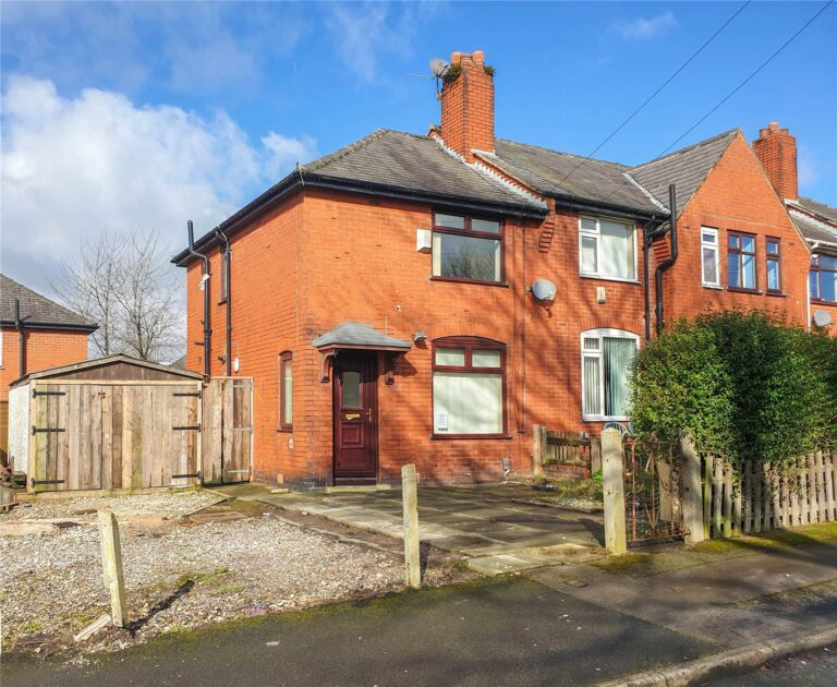11-Kendrew-Road-Greater-Manchester-BL3-4JG-768x630
