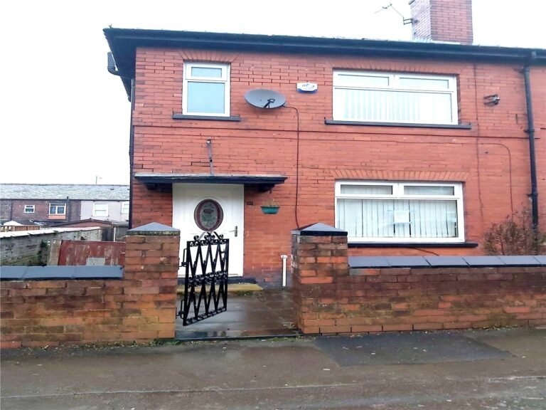 32-Patterson-Street-Greater-Manchester-BL3-4JA-768x576